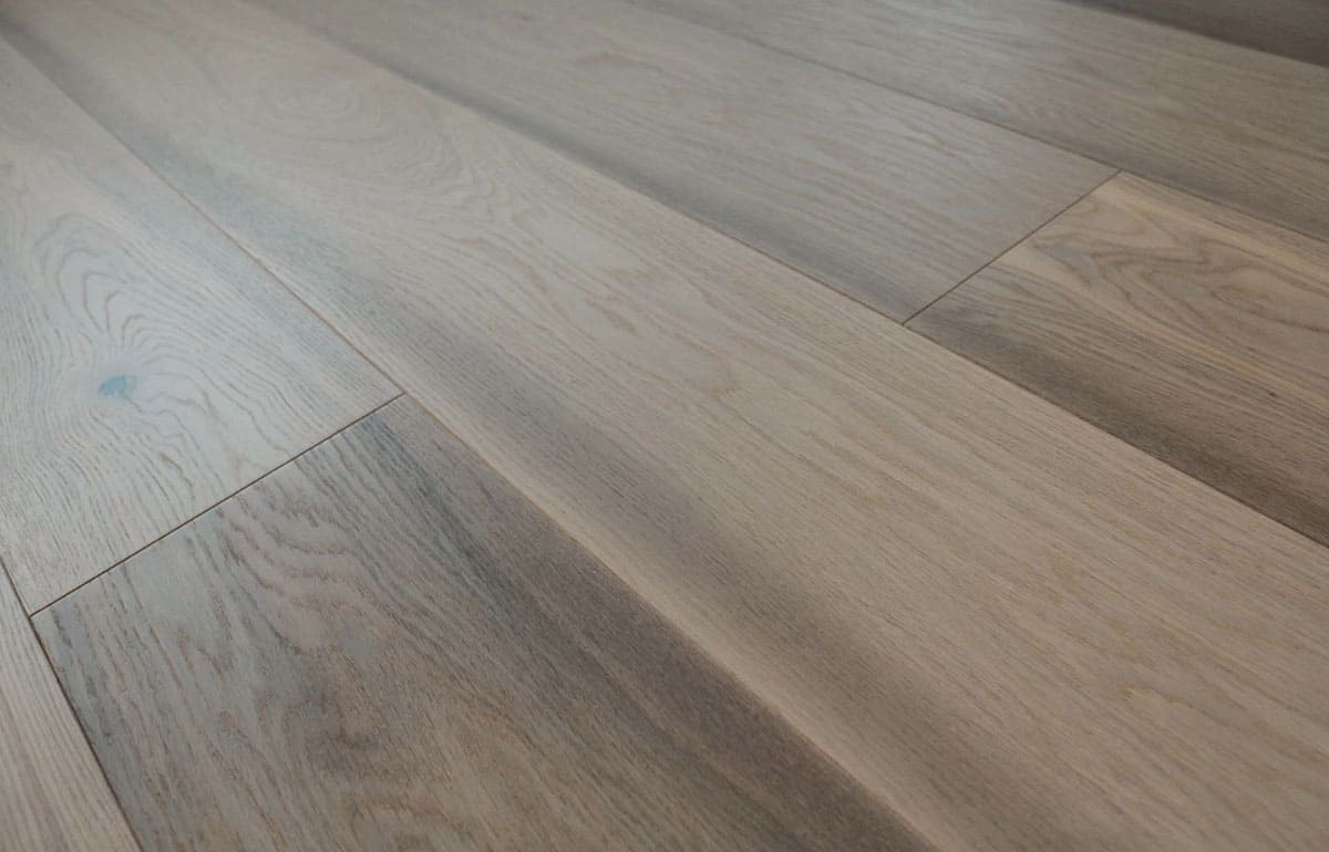 Prefinished Grey Antique Oak Flooring Wide Plank 15mm