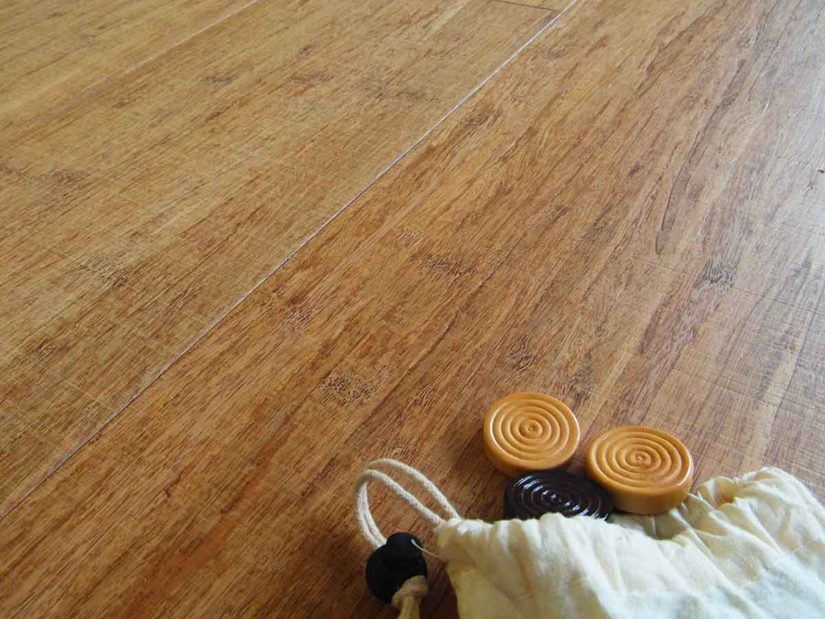 Quanto Costa Un Pavimento In Bamboo : Engineered wood flooring strand woven thermo wide plank