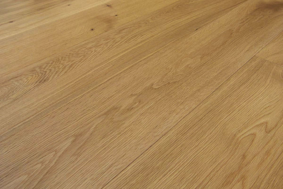 Natural oak flooring made in italy engineered wide plank for Natural oak wood flooring