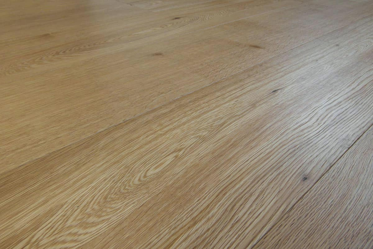 Natural oak flooring made in italy engineered wide plank for Engineered wood flooring manufacturers
