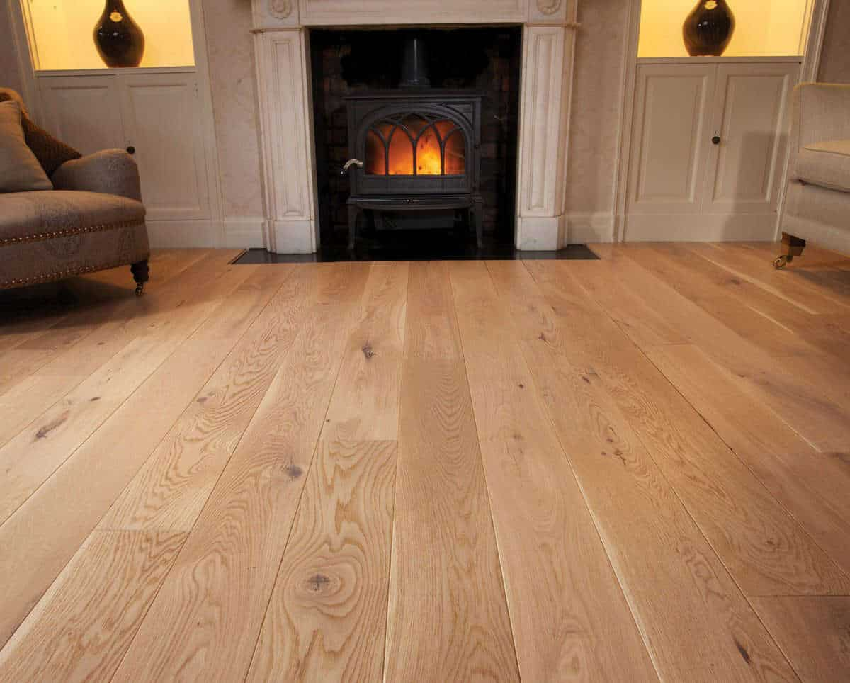 Prefinished natural brushed oak flooring nature class for Natural oak wood flooring