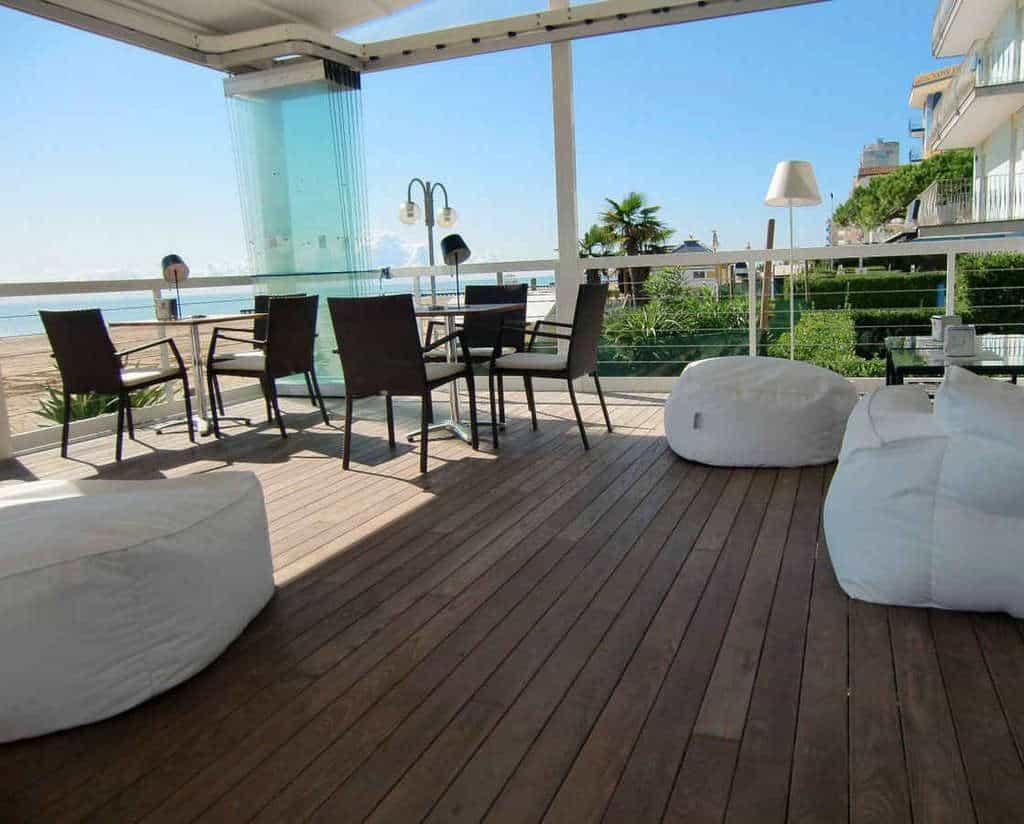 Parquet frassino decking massello per esterni termotrattato - Pavimento legno esterno prezzi ...