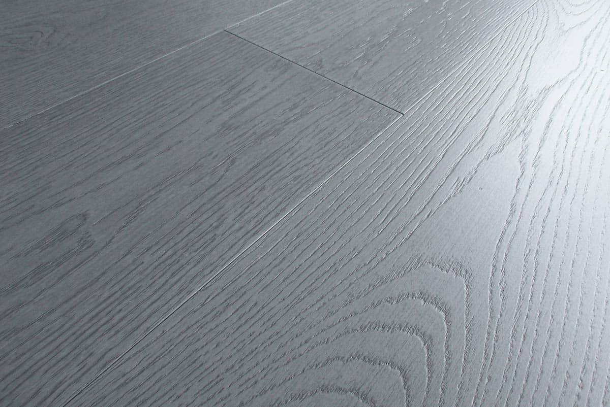 Pavimenti In Rovere Grigio : Parquet rovere grigio chiaro prefinito spazzolato italia