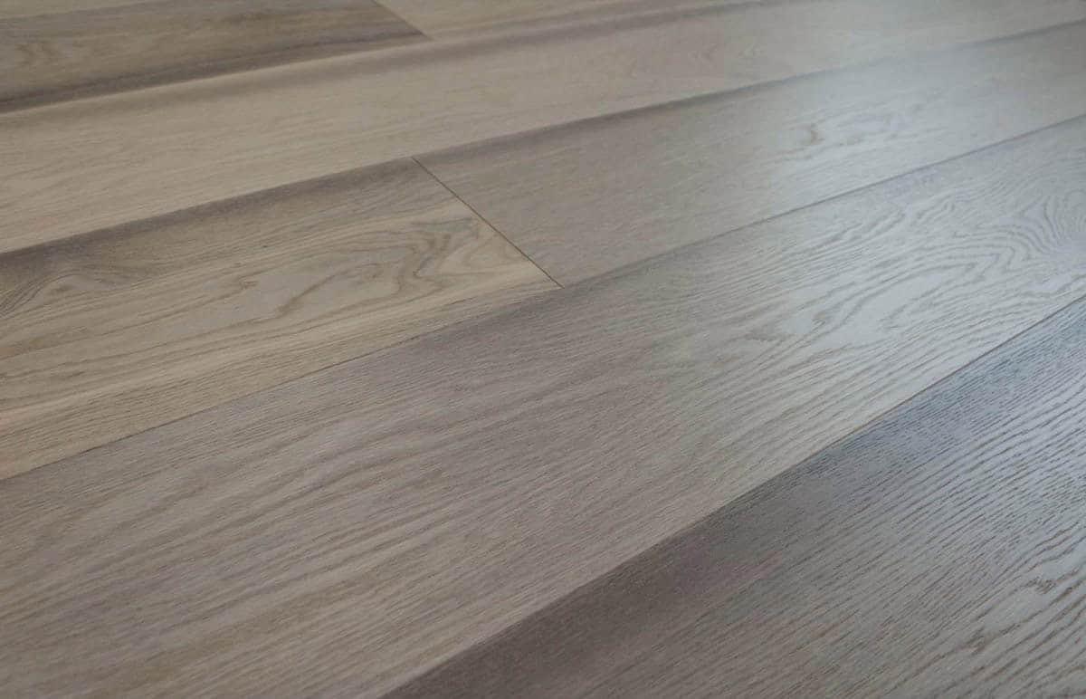 Parquet rovere grigio spazzolato prefinito anticato natura for Parquet armony floor