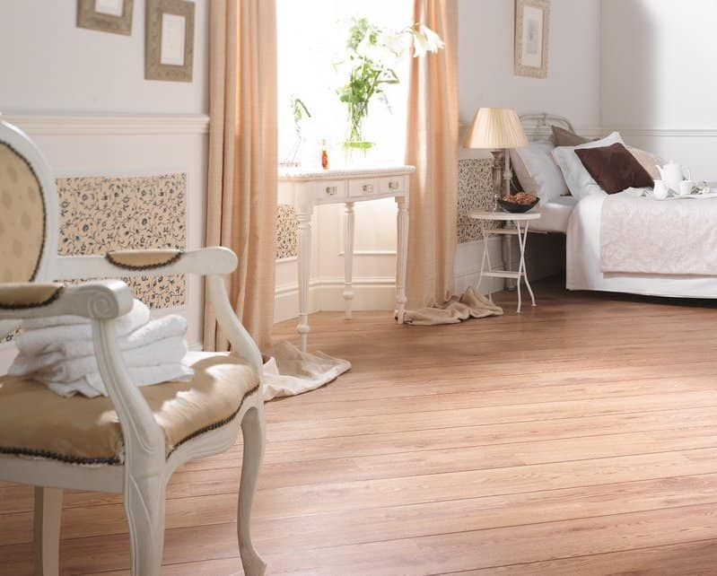 parquet pvc effetto legno spazzolato flottante e o adesivo. Black Bedroom Furniture Sets. Home Design Ideas