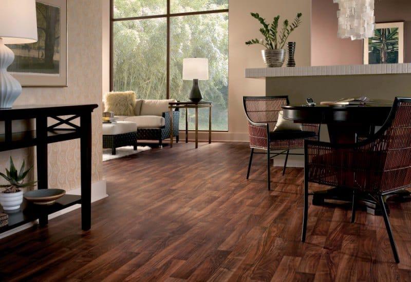 Pavimento pvc effetto legno per ufficio camera albergo for Pavimenti per soggiorno foto