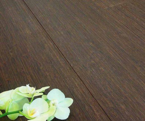 vertical-wenge-bamboo-flooring-italy-011